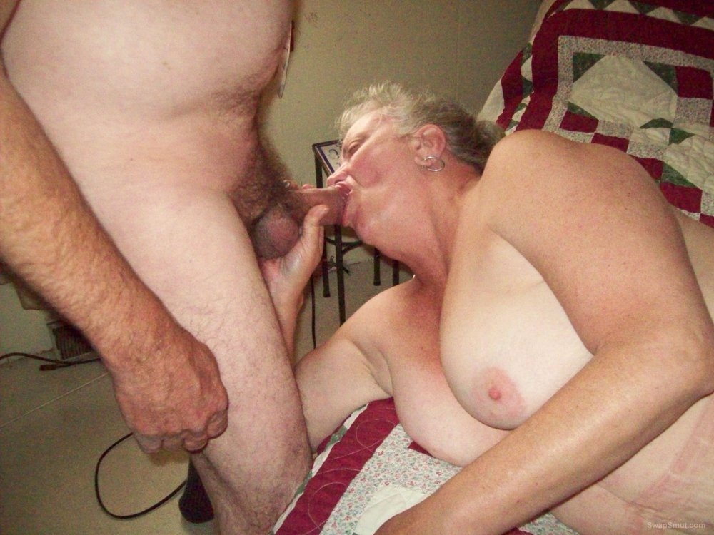 My nasty wife kayc likes to fuck strangers I like to watch and lick up