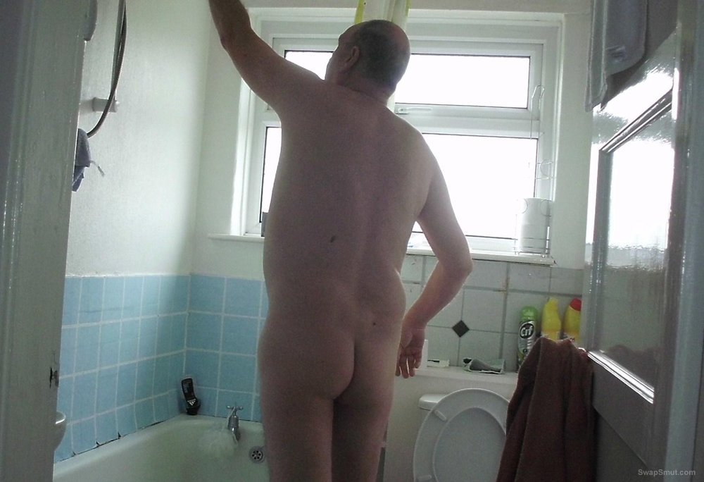 SUNDAY STEAMY AND SOAPEY SHOWER TIME FOR ME AND I LOVE IT