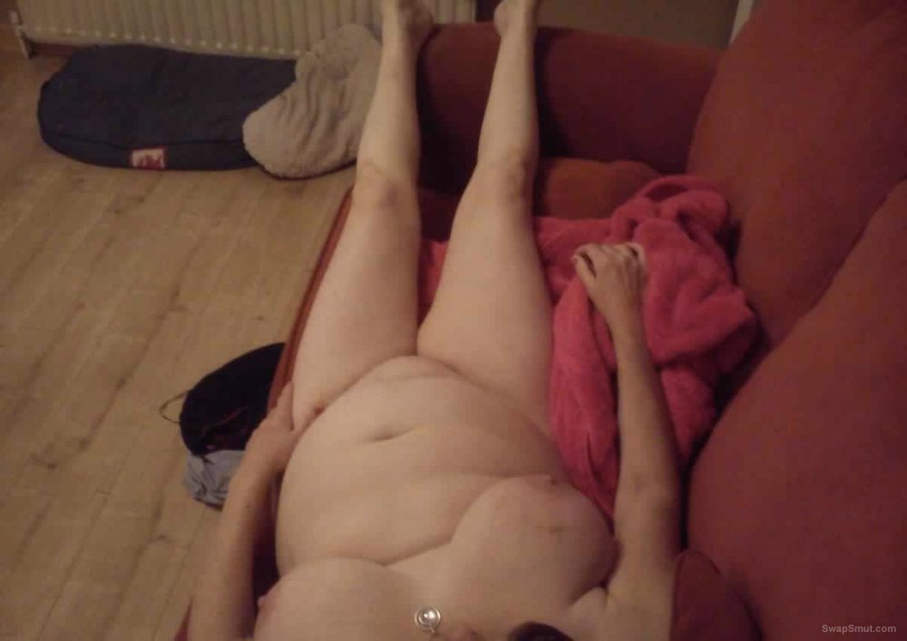 The fat Mrs showing off her fat pussy and fat tits