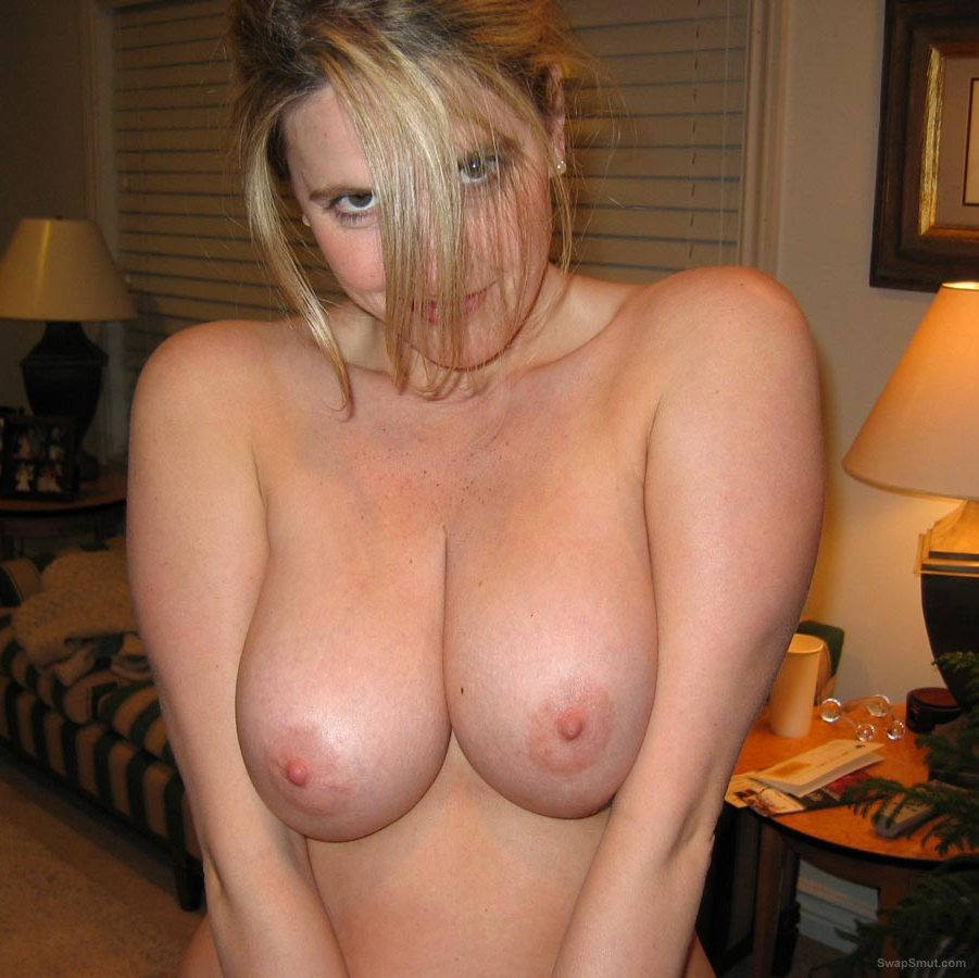 sexy milf with a lovely pair of juggs