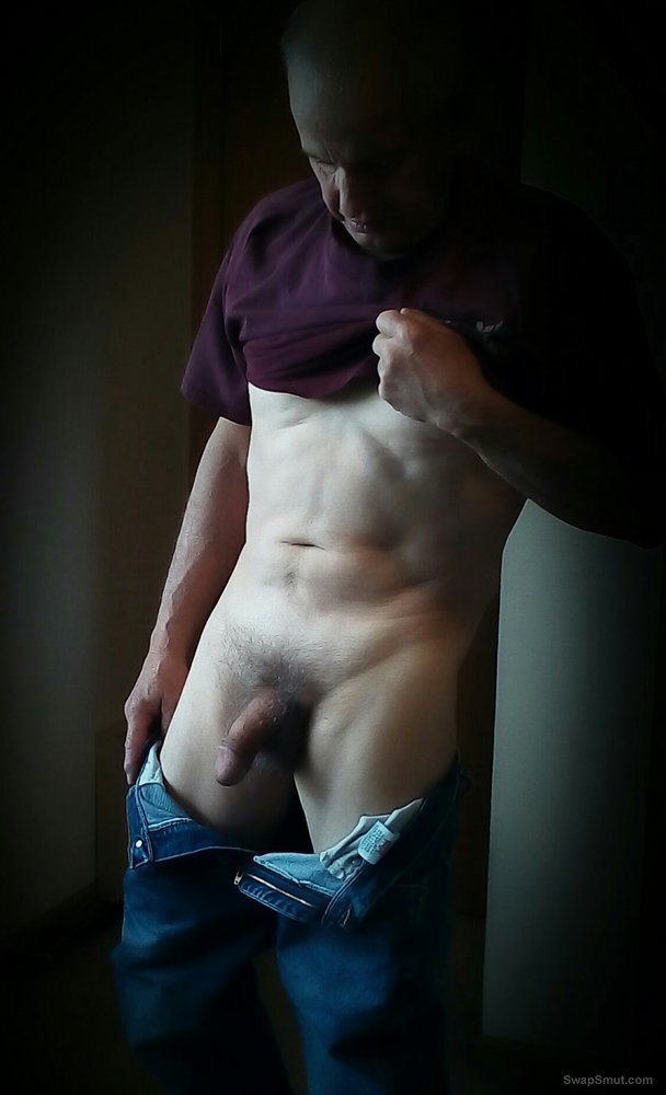 Cowboy exhibitionist, male nude selfies, photogenic cock