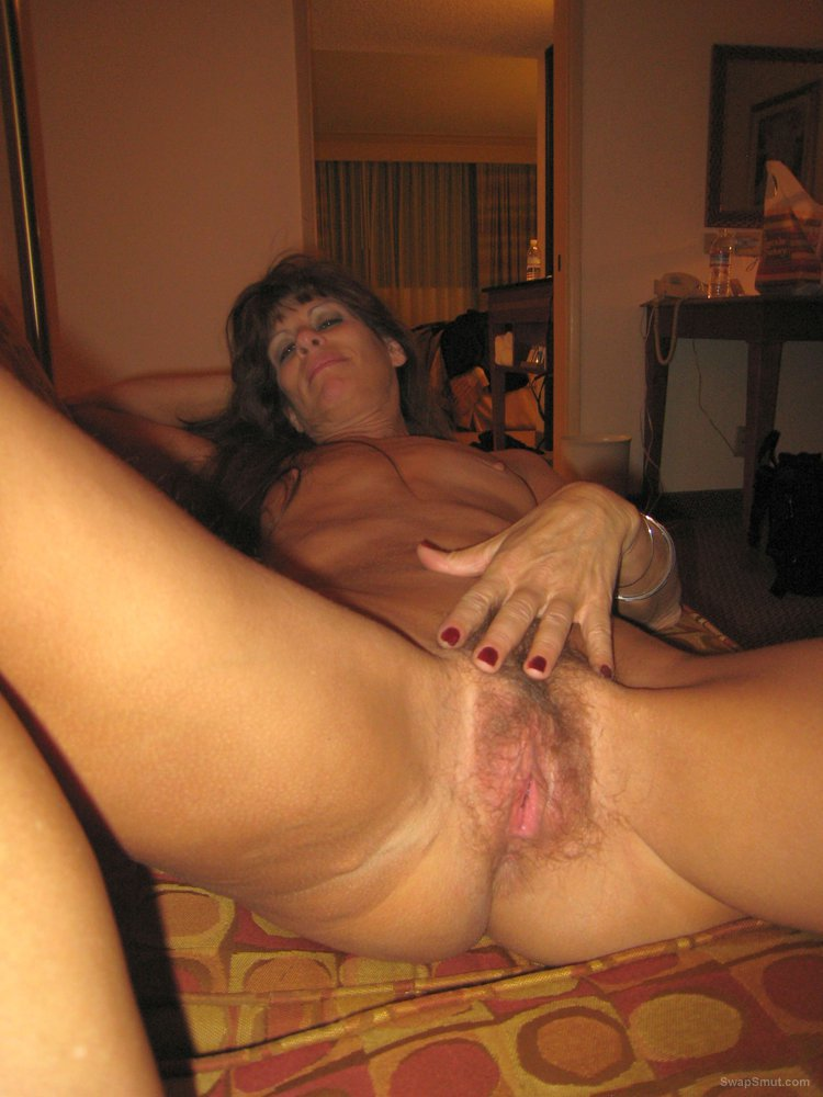 Mature wife pussy place and cock suck