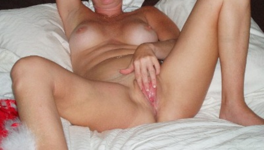 Wife playing with her wet pussy especial. Certainly