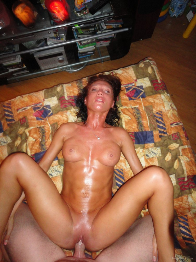Amature wet pussy cock