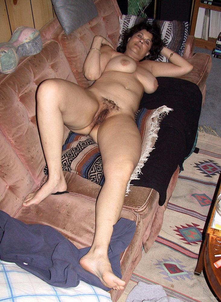 Naked Sucking Pleasure