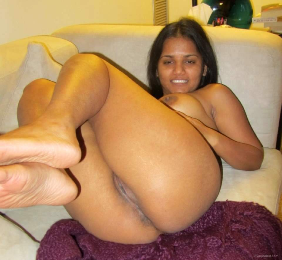 cape malay slut showing off her spicy bits little slut