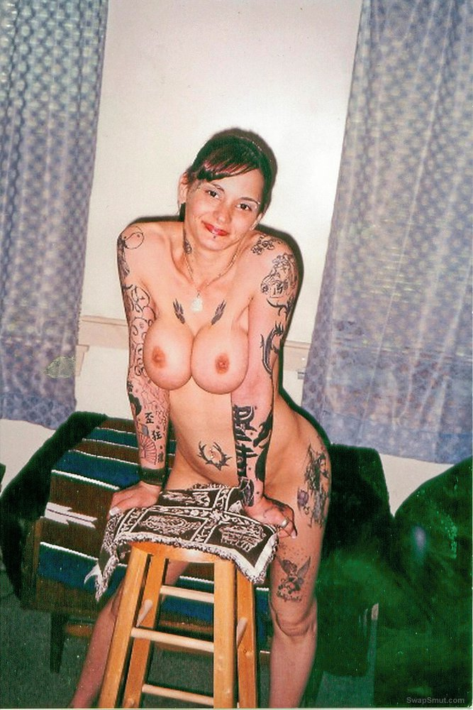 tatoos on the rize big boobs nude around the house at home