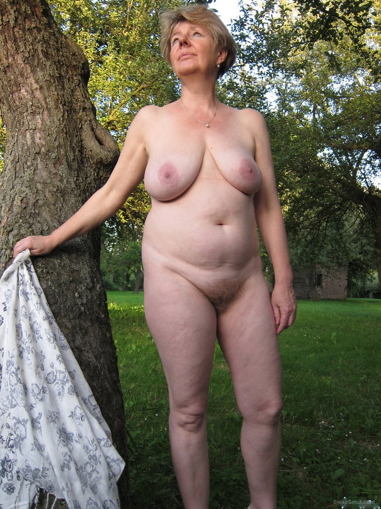 Idea necessary Sexy nude women garden