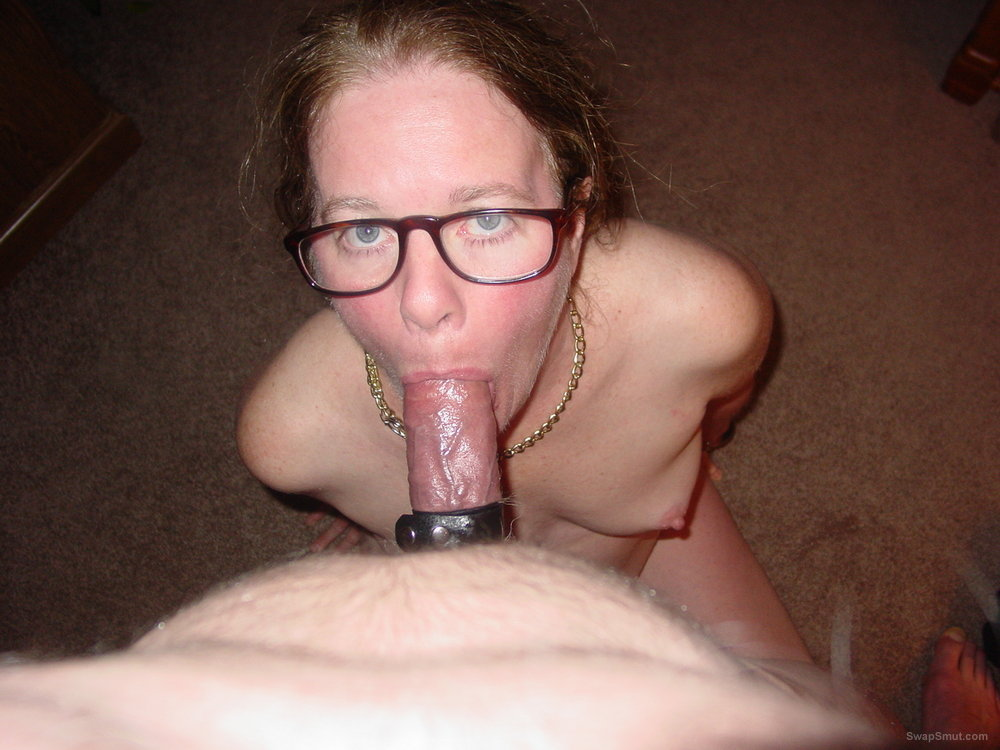 Nerdy girlfriend blowjob