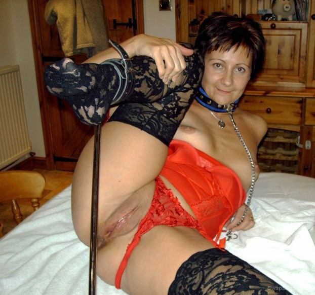 mature friend MARY bondage and pussy clamps