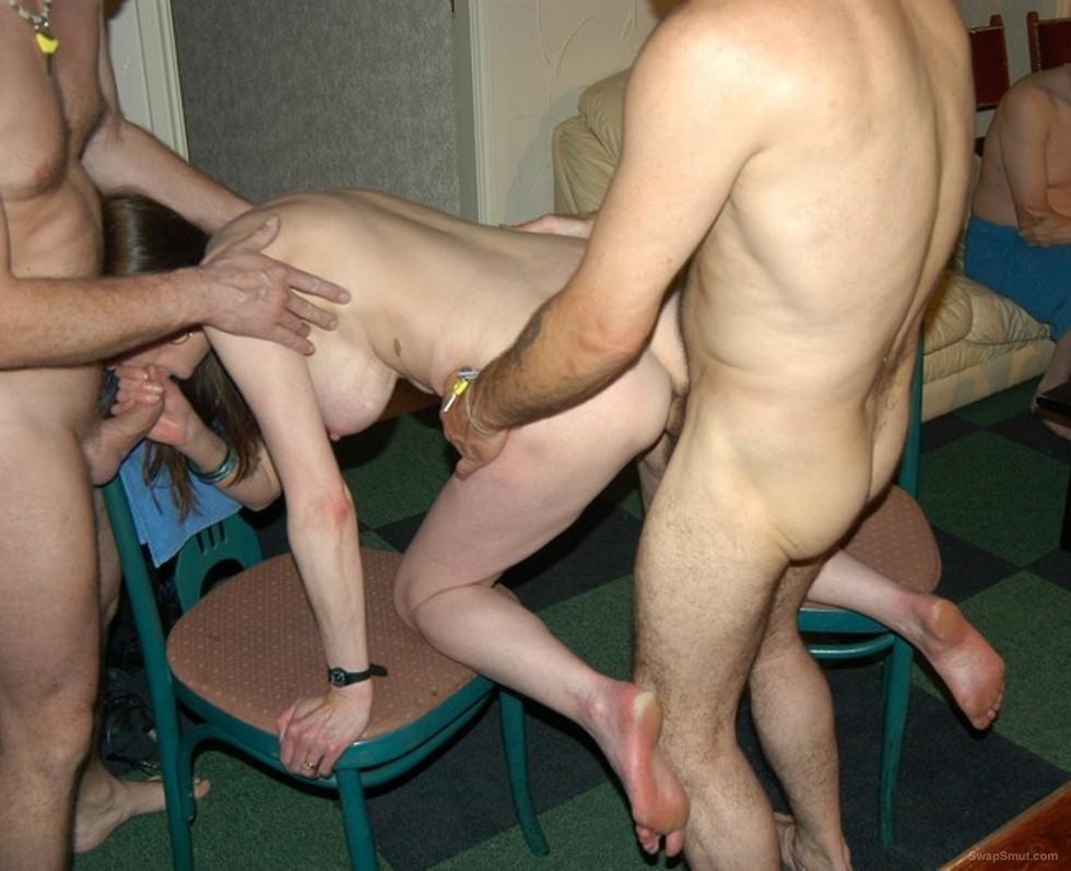 Leggy mature swinging wife BETH having some 3sum fun spit roasted
