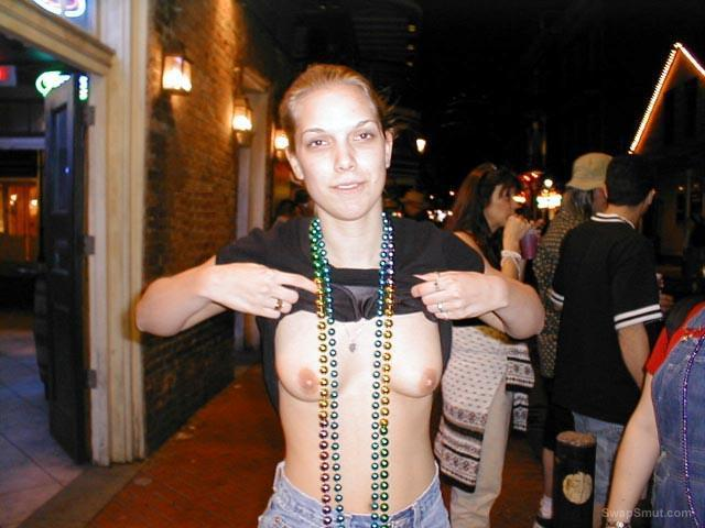 naked Mardi women gras