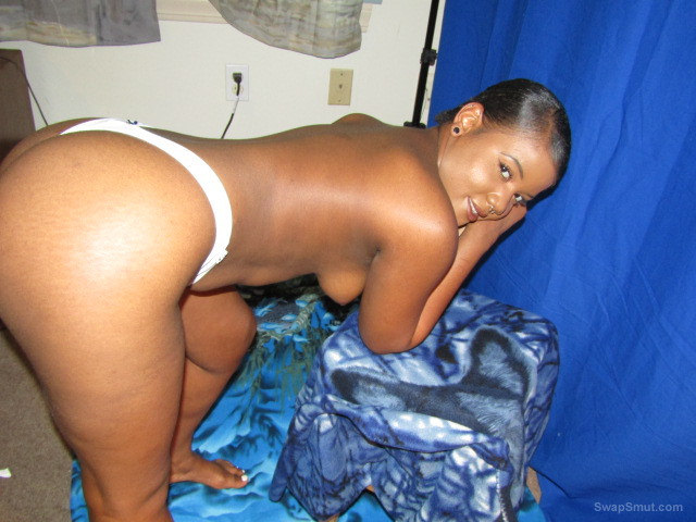 Hot black girl friend in the flesh does it up