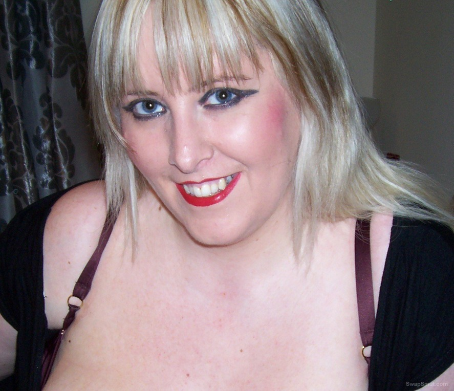 A few pictures of a blond and horny me bbw big natural boobs