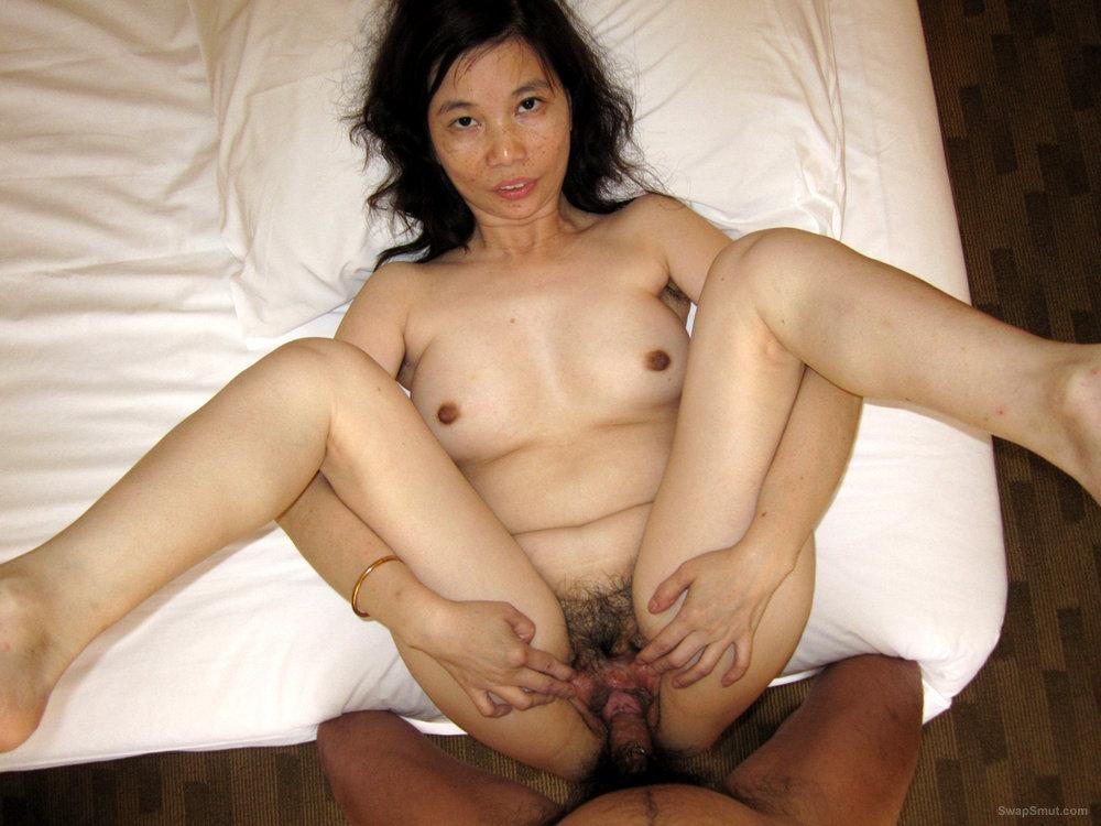 Hot Asian Ann Spreads Her Beautiful Pink Cunt