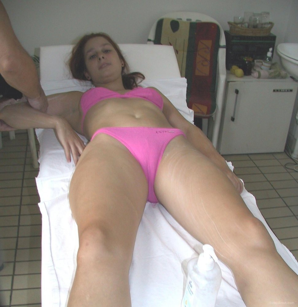 BROTHERS GIRLFRIEND on hoilyday teasing me again with her tight body