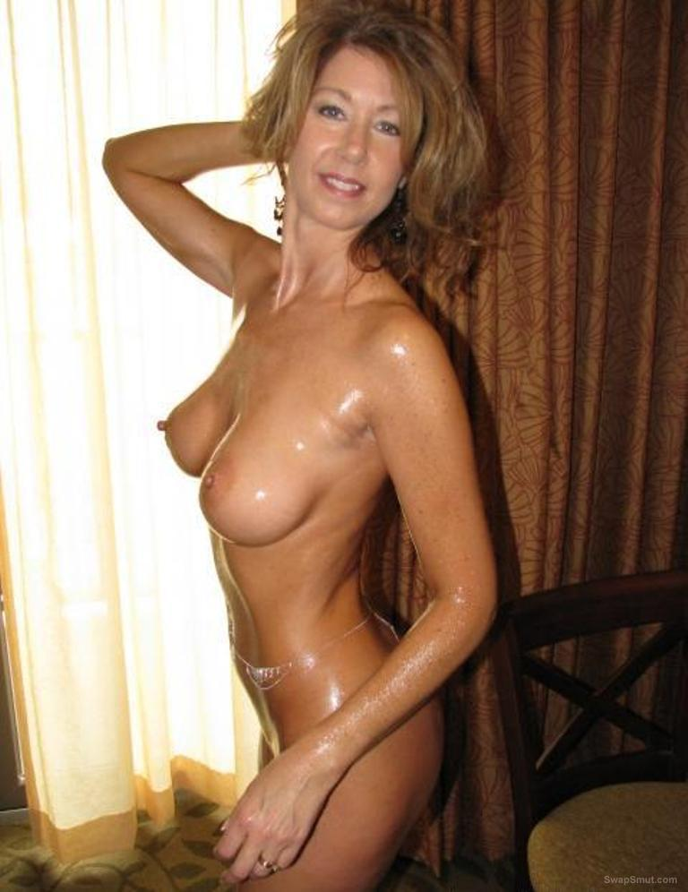 naked mature moms Hot sexy