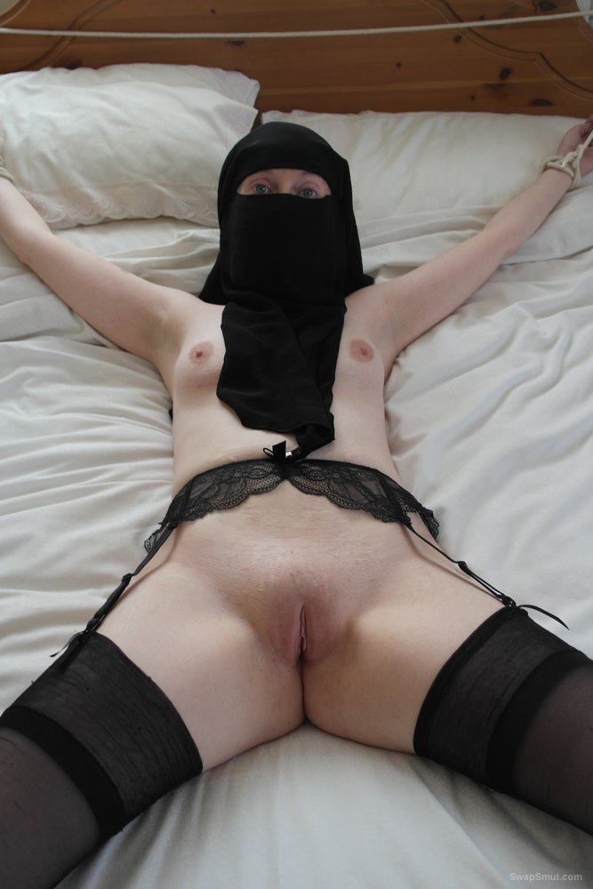 Bondage in stockings and Niqab