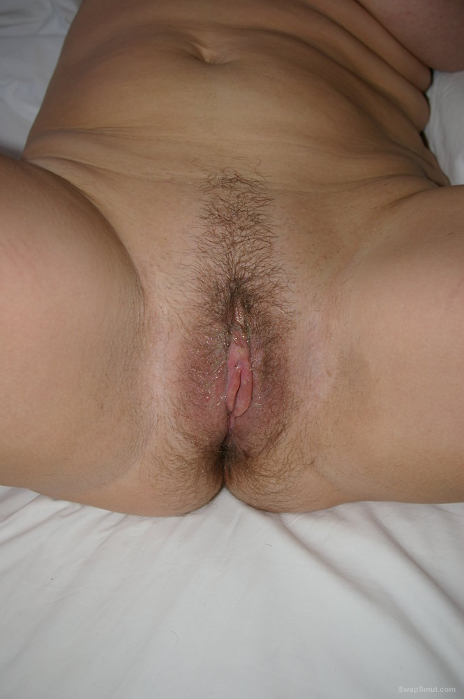 My girlfriends very wet pussy