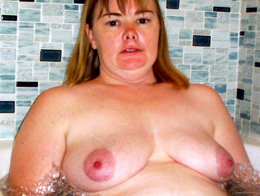 The Best of Exposed Wife Melissa Naked In Bathroom Hairy Pussy Big Tit