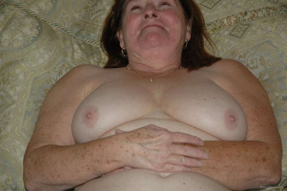 Looking for men and groups of men like to swing and enjoy group fuck