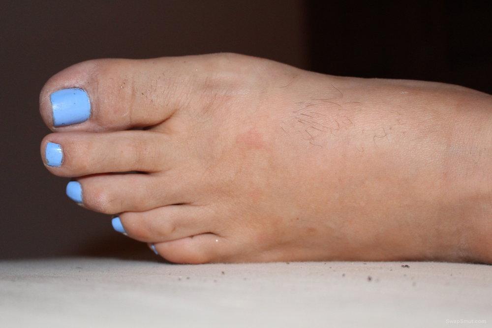 Foot lover pleasures - my wife has beauttiful feet