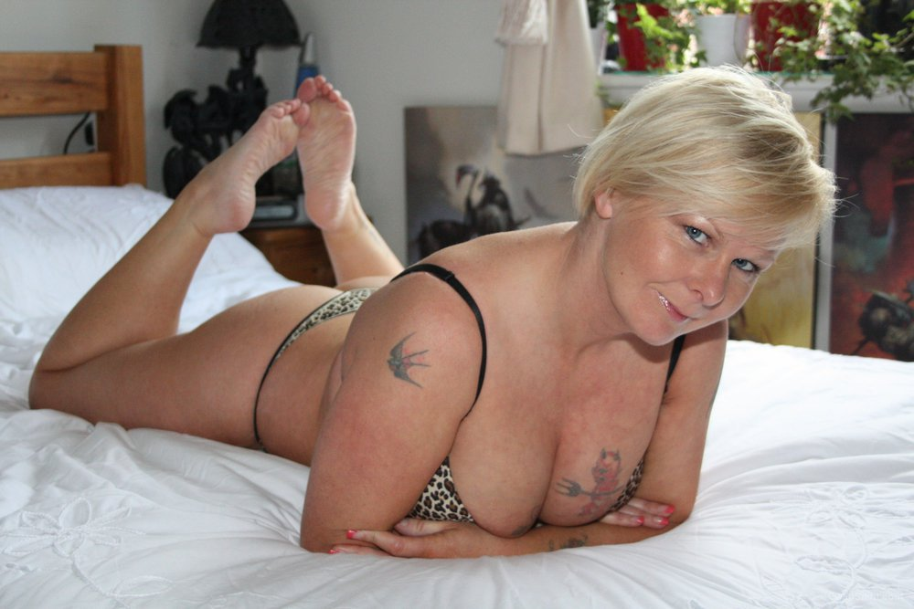She who dares wins for shaved pussy lovers