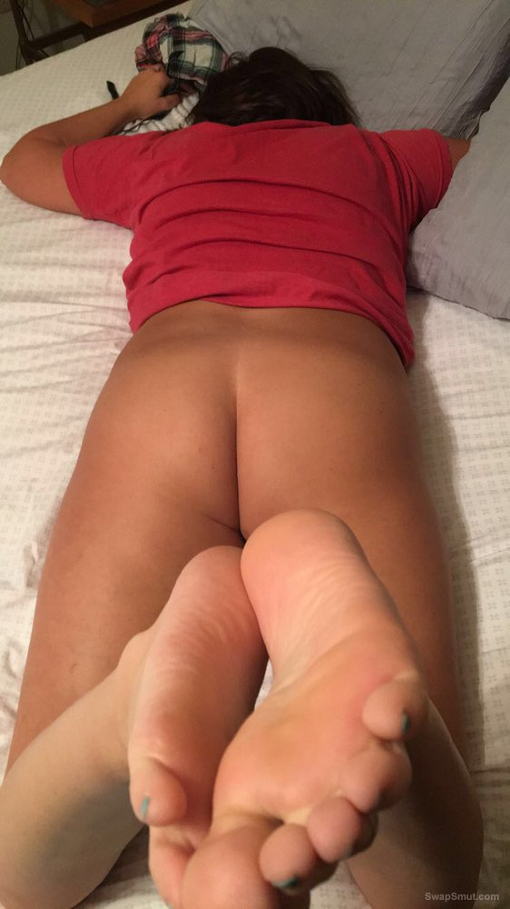 My wife's pussy and ass from behind