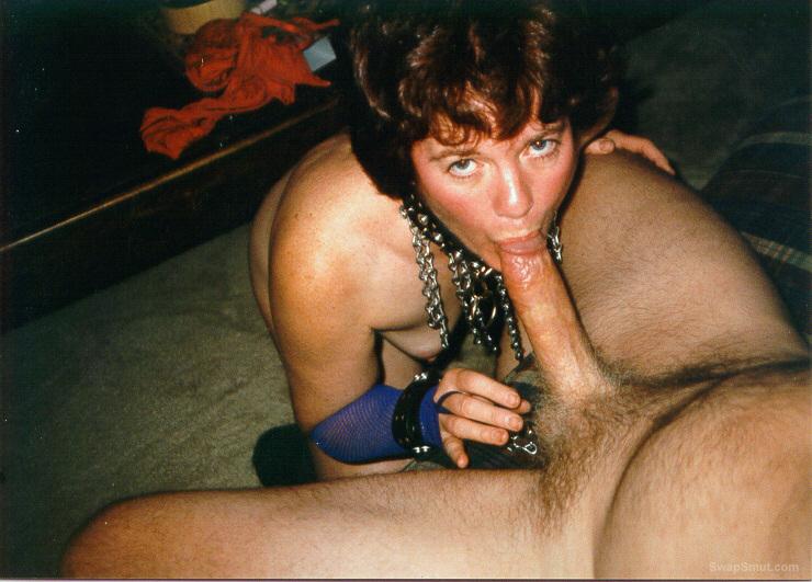 Blonde eating creampie pussy