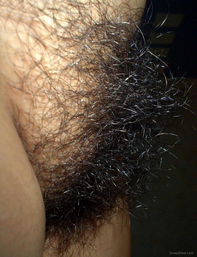 my wifes superhairy vagina an big natural clit