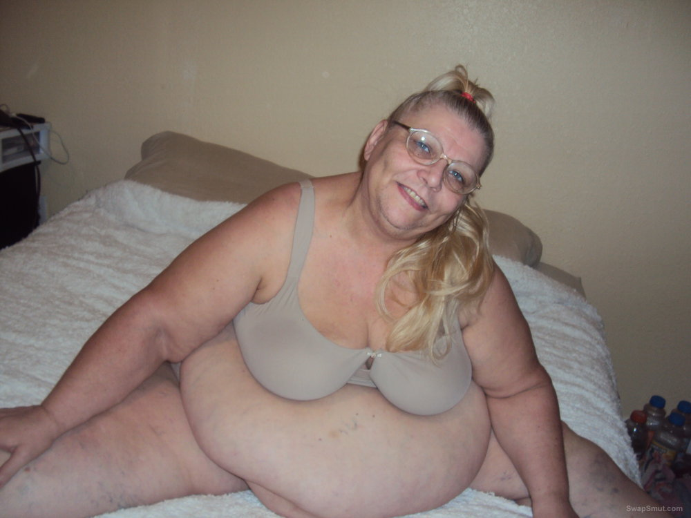 Mature bbw showing off tan bra and panties hope you like