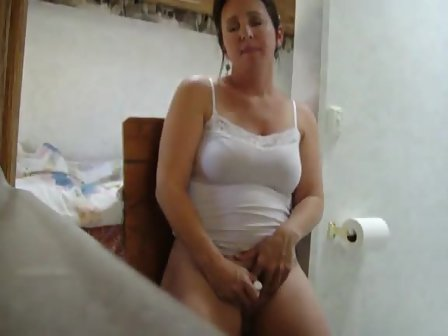 Mom Got Caught Masturbating