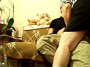 Amateur couple sex on couch BBW wife riding slimmer man