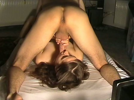 young mom nude sleeping sex