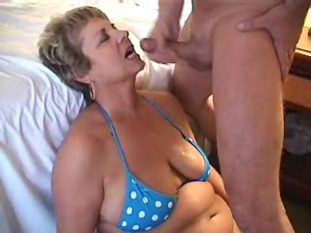 Grannies pussy filled with cum can not